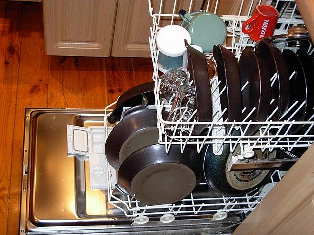 una-lavastoviglie
