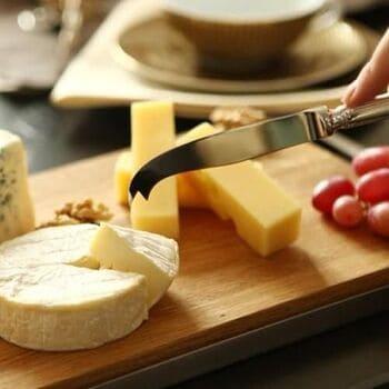 Coltello-da-formaggio-a-due-punte