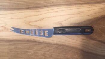 Coltello-per-formaggio-morbido