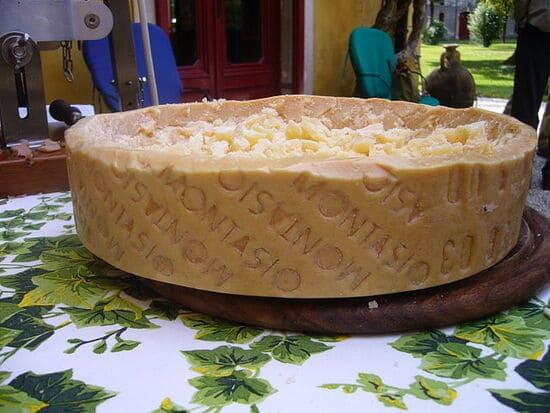 formaggi-italiani-Montasio