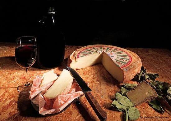 formaggi-italiani-Puzzone-di-Moena