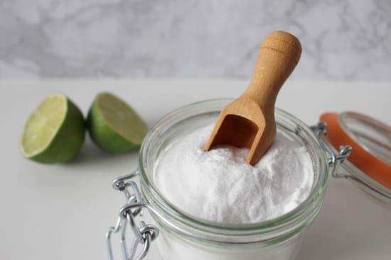Bicarbonato-pulire-il-forno-senza-detersivi