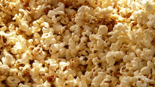 Cosa-cucinare-con-il-wok-fare-i-popcorn