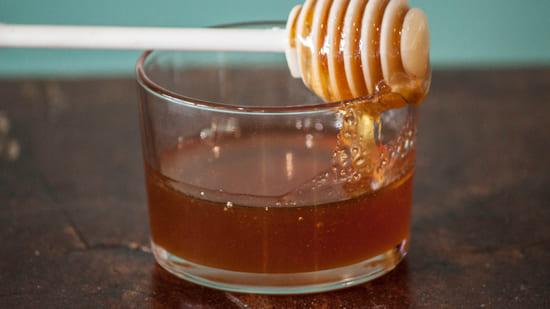 miele-sostituire-lo-zucchero-nei-dolci